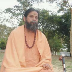 Rajahamsa Swami Nityananda Giri speaks
